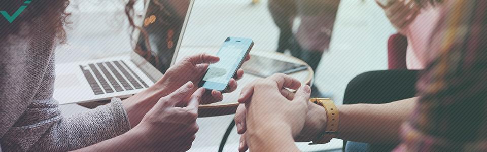 Der erste Anlaufpunkt ist, in Erfahrung zu bringen, wer Ihre Kunden sind, da verschiedene demographische Gruppen unterschiedliche Social-Media-Plattformen bevorzugen.