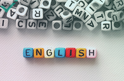 Warum enthält die englische Sprache so viele entlehnte Worte?