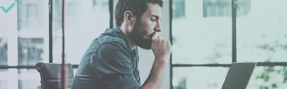 Server-seitige Weiterleitungen beinhalten kleine Codes, die an den Browser gesendet werden, um das Bestimmungsziel festzulegen.