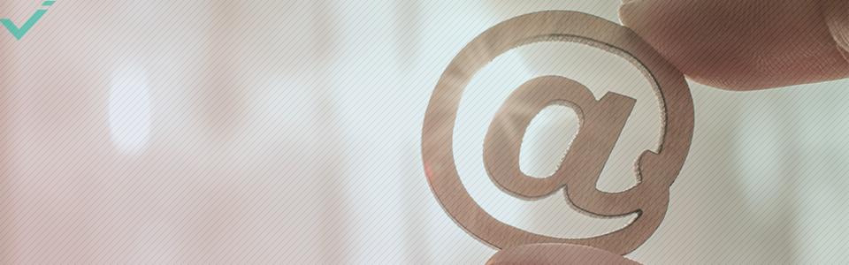 Was bedeutet das @-Symbol in Online-Umgebungen?